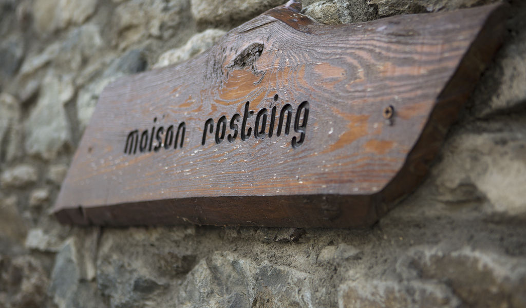 Rostaing sign