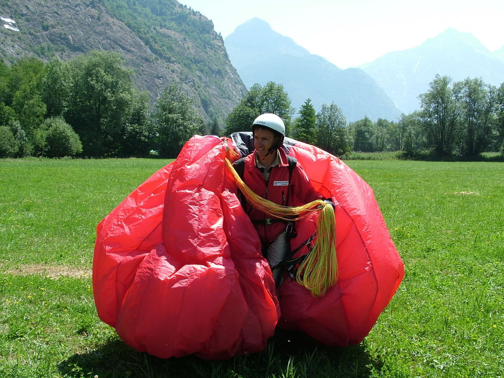 Paragliding packing
