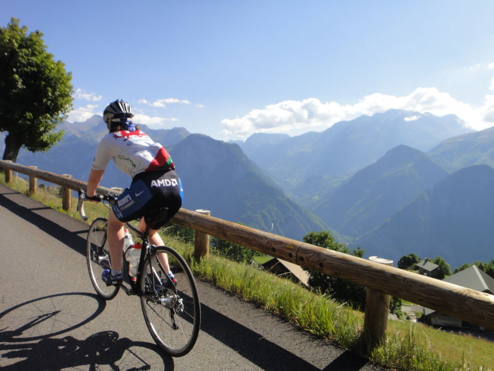 Cycle the oisans